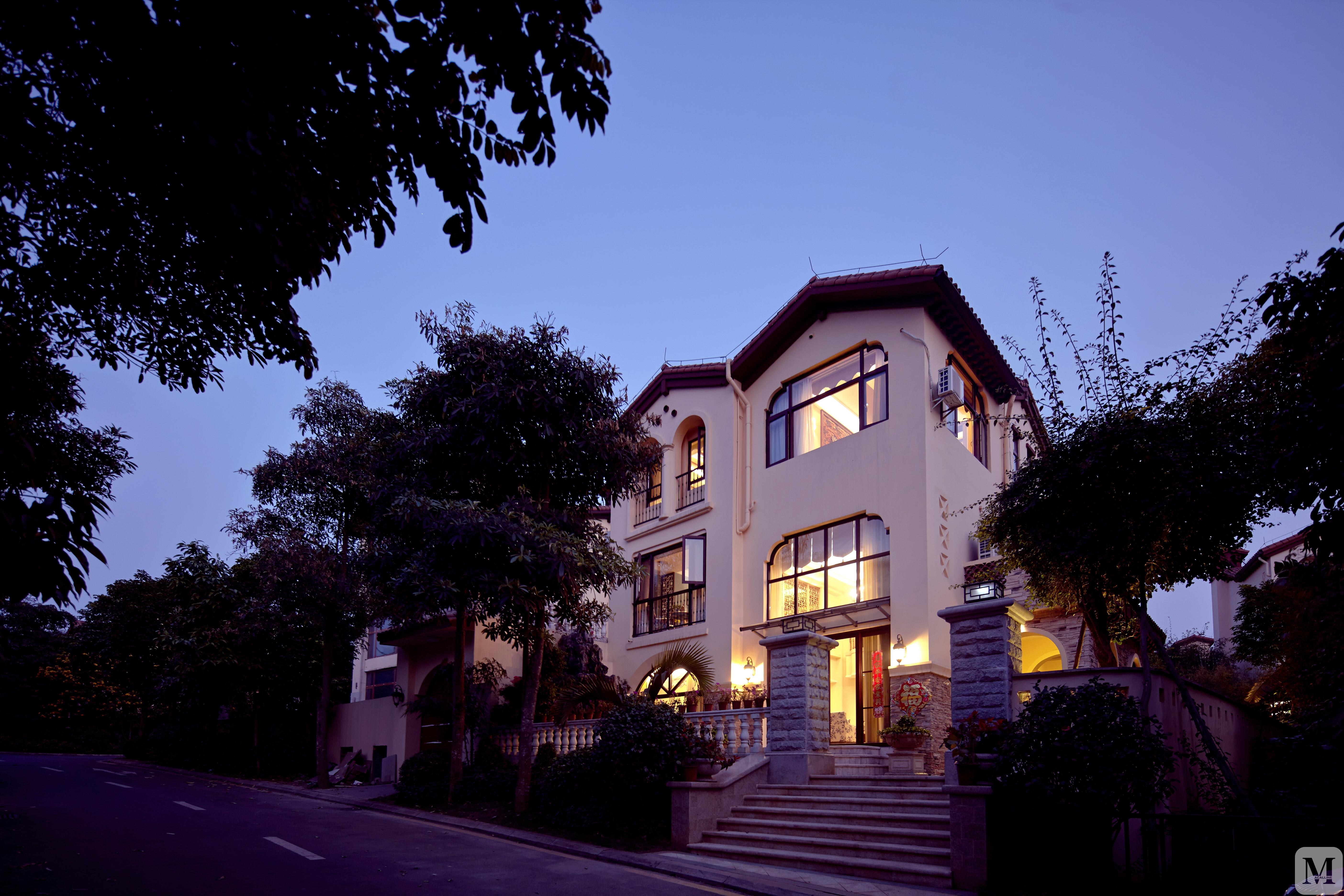 海口富力盈别墅350平美式别墅_美式房子设计装修溪谷造别墅环保用什么案例图片