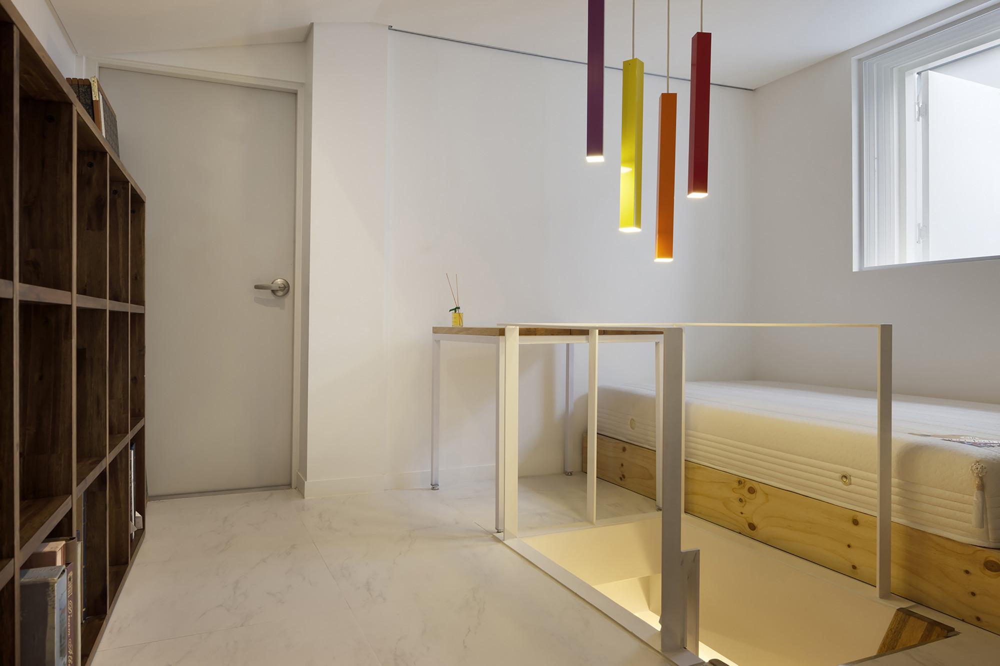 平面设计师的47㎡单身loft,楼下日常起居,楼上放飞自我